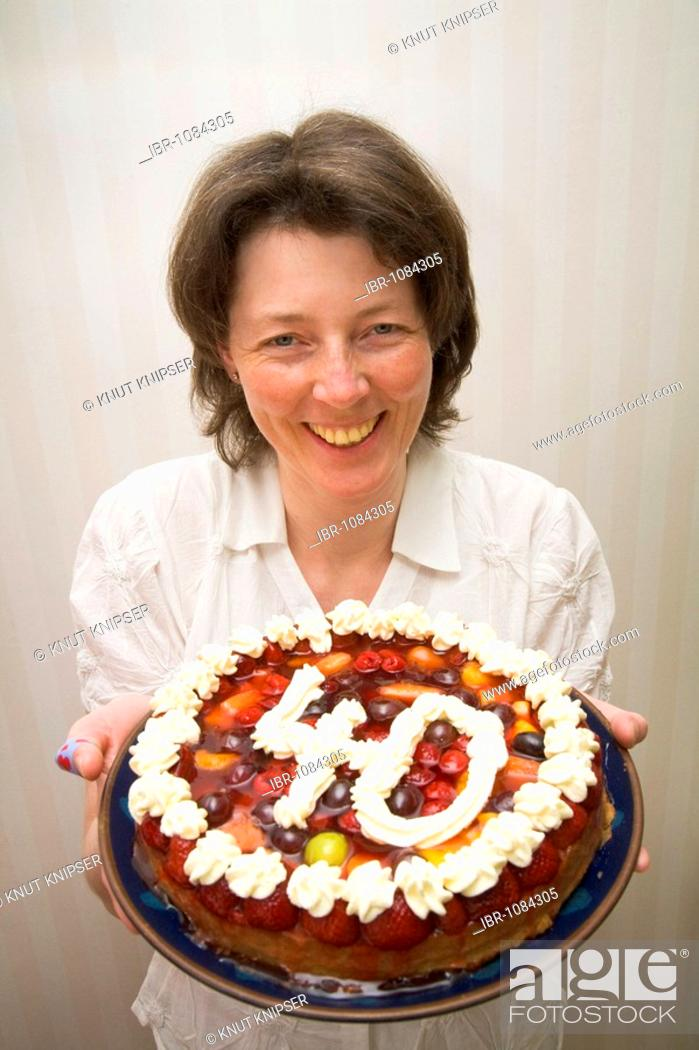Magnificent A Swedish Woman Presenting Her Birthday Cake On Her 40Th Birthday Funny Birthday Cards Online Alyptdamsfinfo