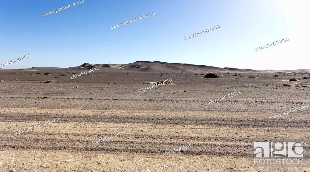Stock Photo: The skeleton coast desert solours and desolation, Namibia.