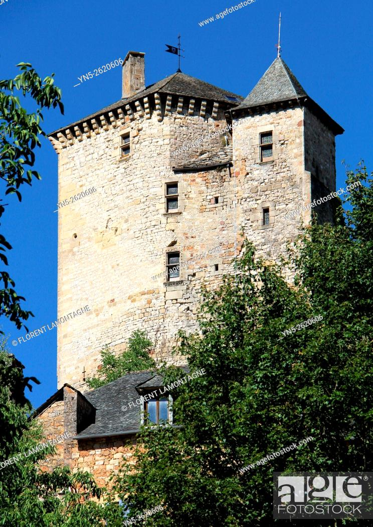 Stock Photo: Aveyron, Midi-Pyrénées, Muret le Chateau, view over the village and the castle.
