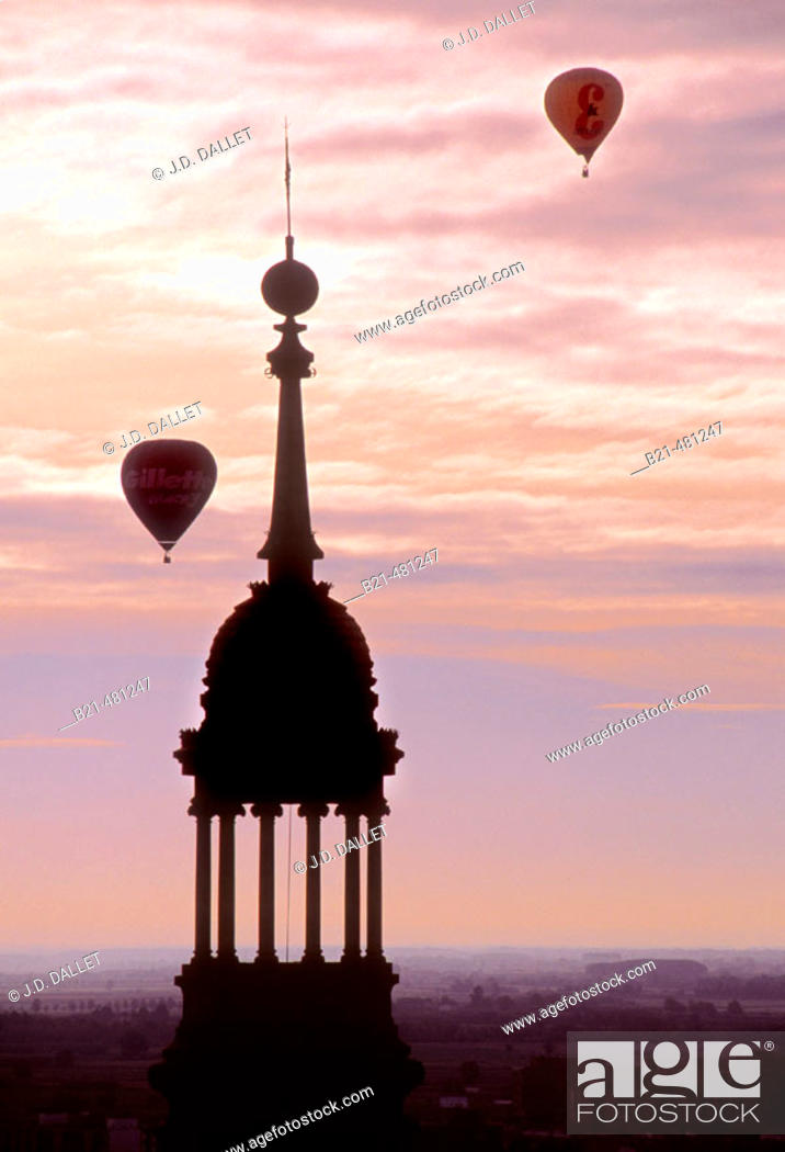 Stock Photo: On of the Towers of Pilar Basilica, at Zaragoza. Spain.