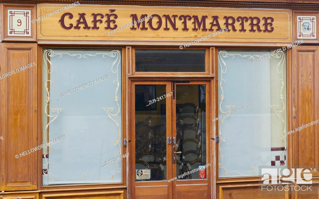 Stock Photo: A traditional Parisian cafe in Montmartre, Paris, France, Europe.