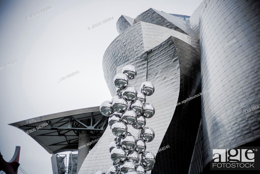 Stock Photo: The great Tree and the Eye, sculpture by Anish Kapoor and Guggenheim Museum, Bilbao, Vizcaya, Basque Country, Spain.