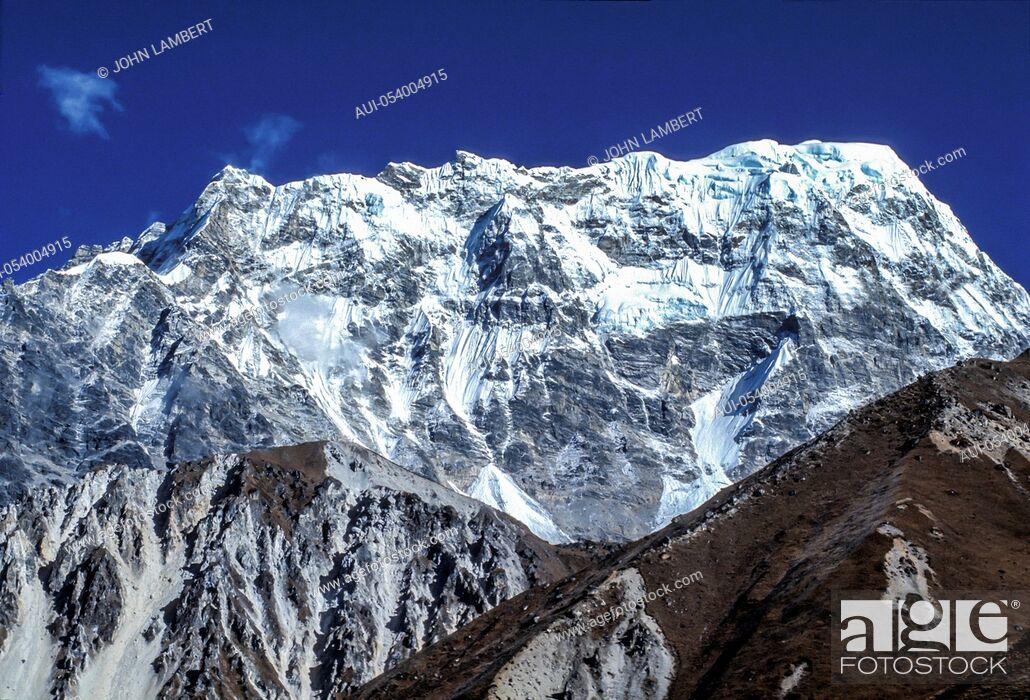 Stock Photo: nepal, himalaya, langtan.