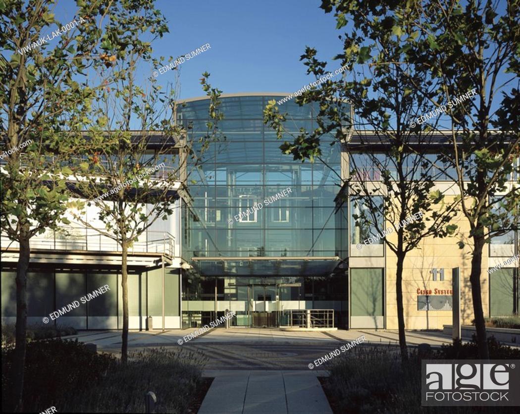 Stock Photo: LAKESHORE OFFICE PARK, BEDFONT LAKES, FELTHAM, GREATER LONDON, UK, AUKETT FITZROY ROBINSON, EXTERIOR, EXTERIOR.
