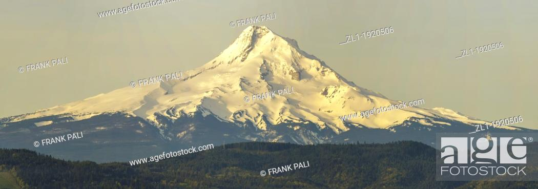 Stock Photo: Taken from Hood river view point  Early morning as the sun is just shining on the mountain.