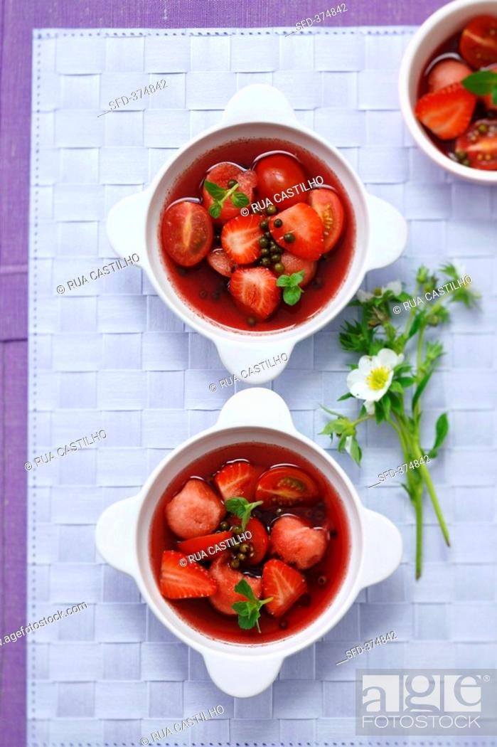 Stock Photo: Strawberry, tomato & watermelon salad with green peppercorns.