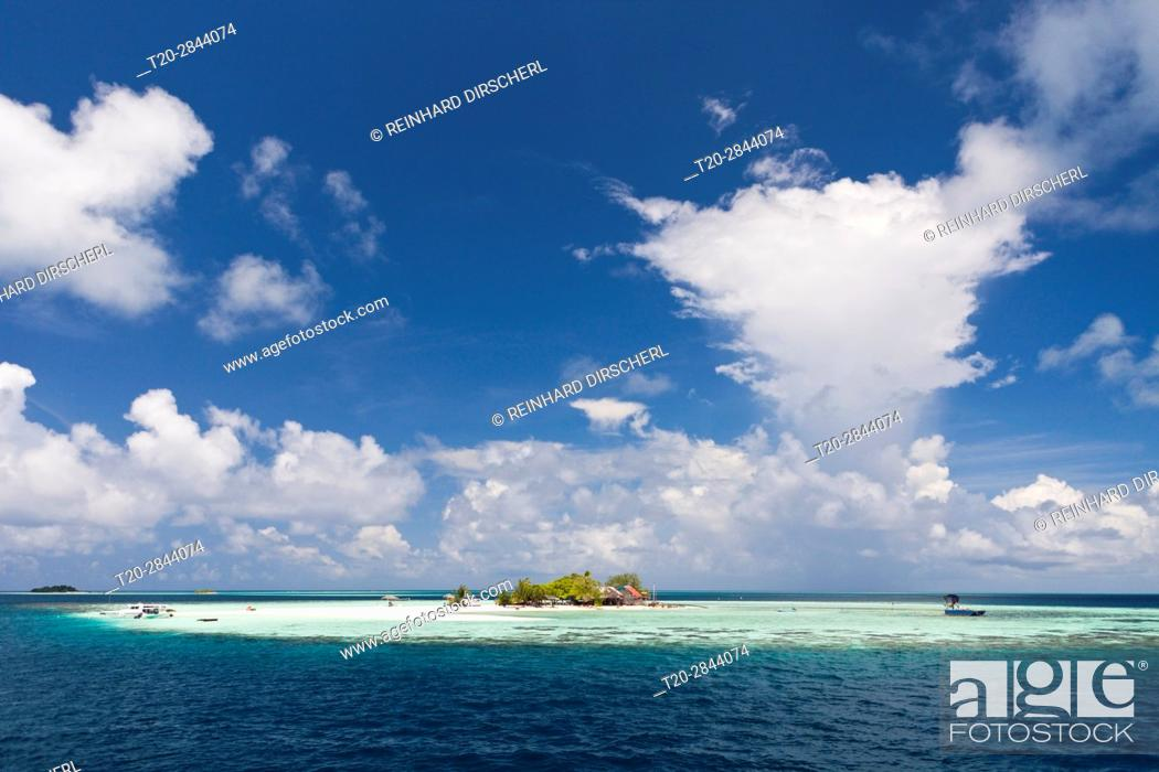 Stock Photo: Picnic Island Vashugiri, Felidhu Atoll, Maldives.