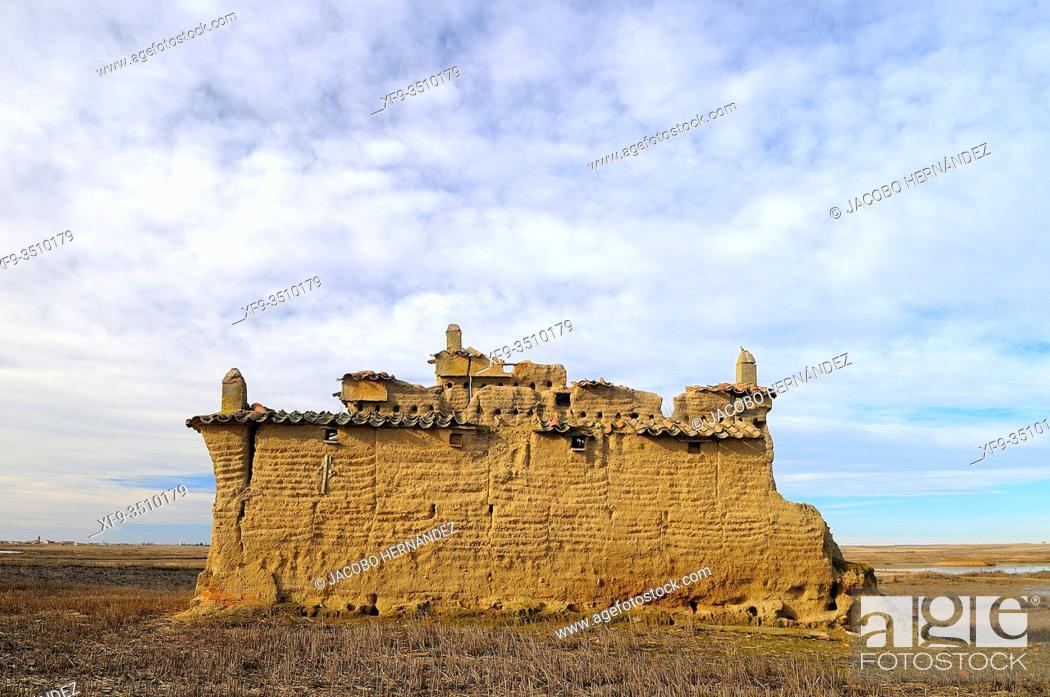 Stock Photo: Dovecote in ruins Lagunas de Villafáfila Natural Reserve. Zamora province. Tierra de Campos. Castilla y León. Spain.