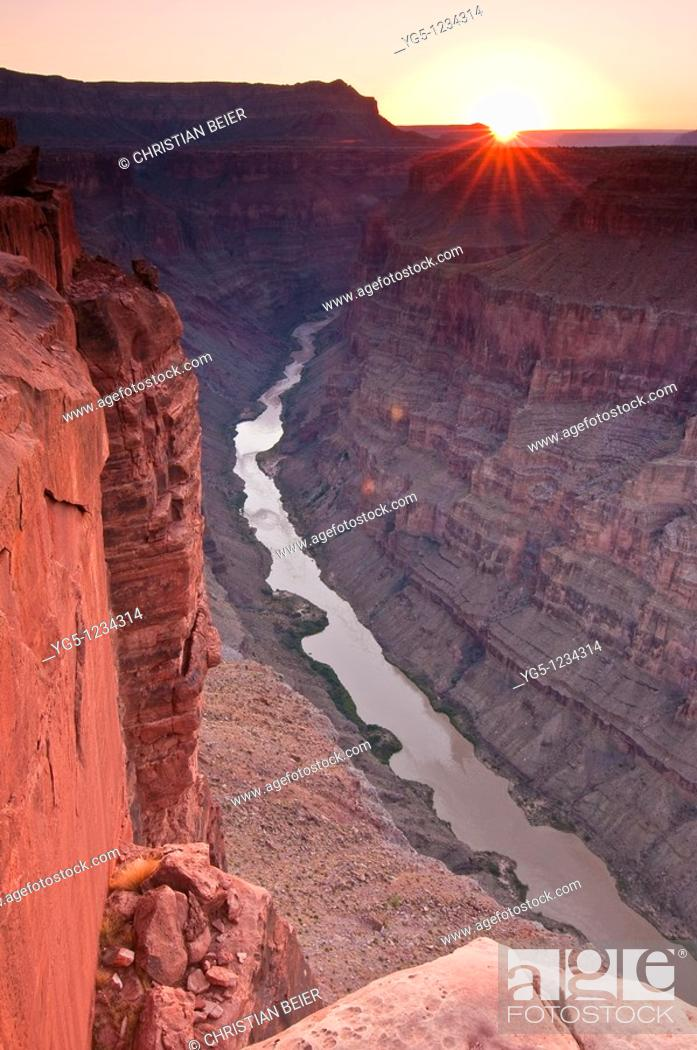 Stock Photo: Grand Canyon and Colorado River seen from Toroweap Point at sunrise, Tuweep Area, Grand Canyon North Rim, Arizona, USA.