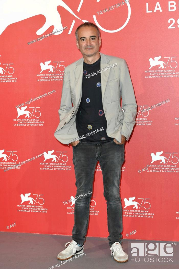 Director Olivier Assayas during Double Vies photocall. 75th Venice  International Film Festival, Stock Photo, Picture And Rights Managed Image.  Pic. TIE-MLA310818-63   agefotostock