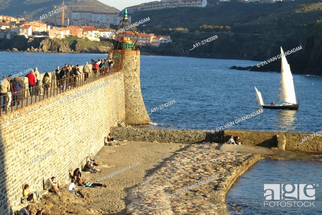 Stock Photo: France, Roussillon, Pyrenees orientales (66), city of Collioure on the mediterranean.
