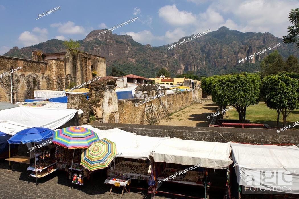 Stock Photo: Tepoztlan, Estado de Morelos, México, América.