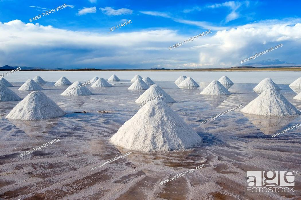Stock Photo: Salt cones, Salar de Uyuni, Potosi, Bolivia.
