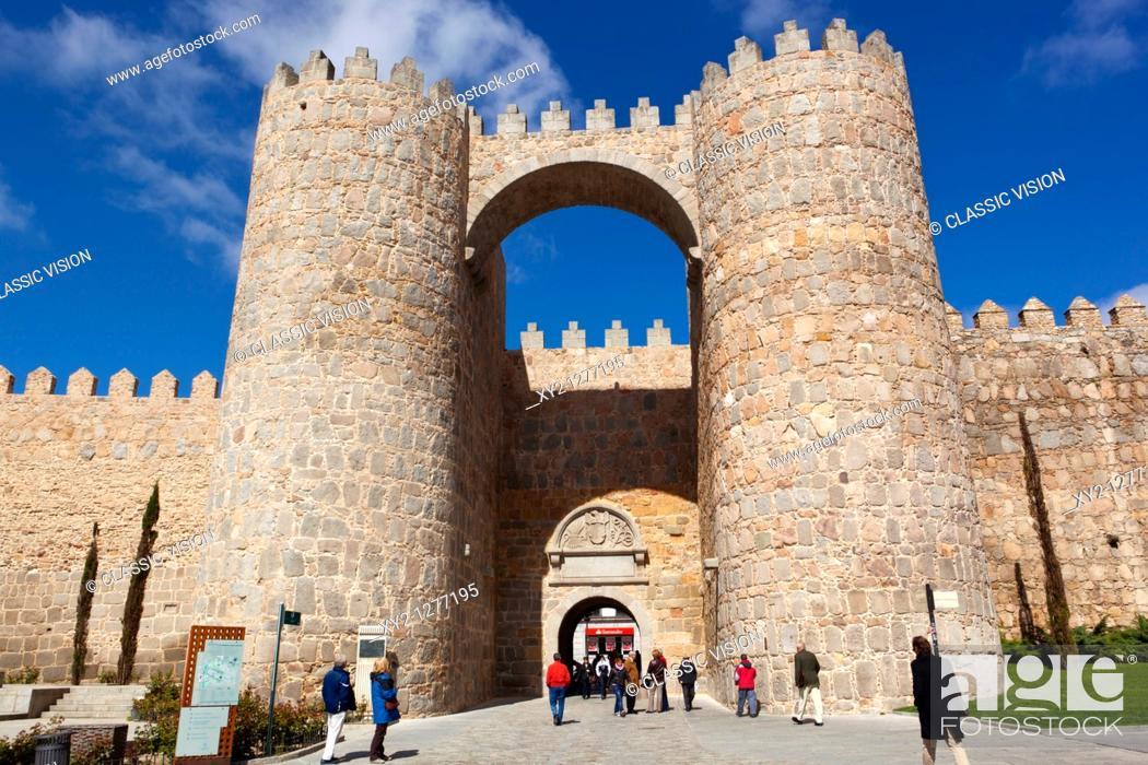 Stock Photo: Avila, Avila Province, Spain  The Puerta del Alcazar and city walls seen from the Plaza de Santa Teresa.