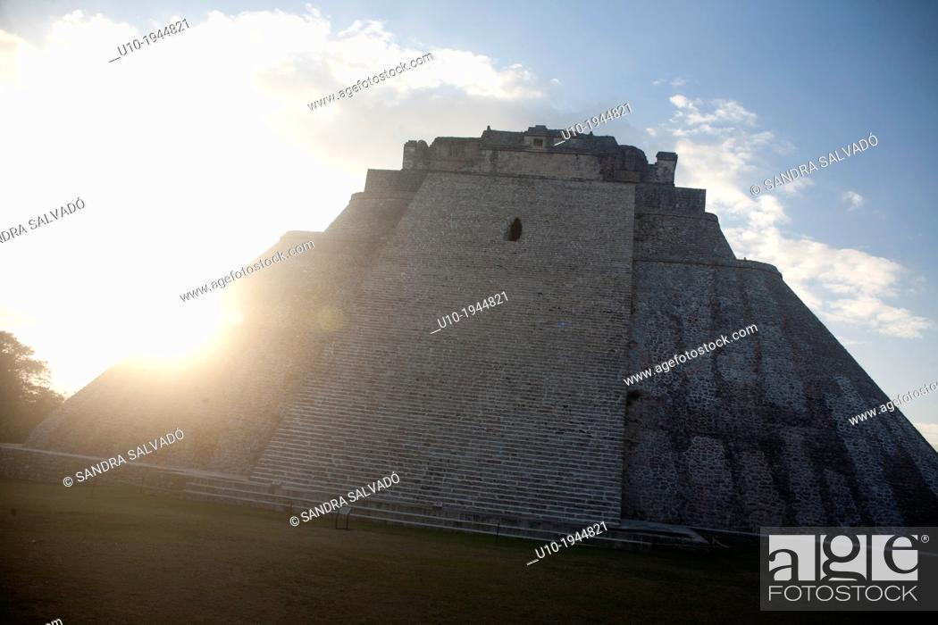 Photo de stock: Mayan arqueological site Uxmal, Peninsula Yucatan, Mexico.