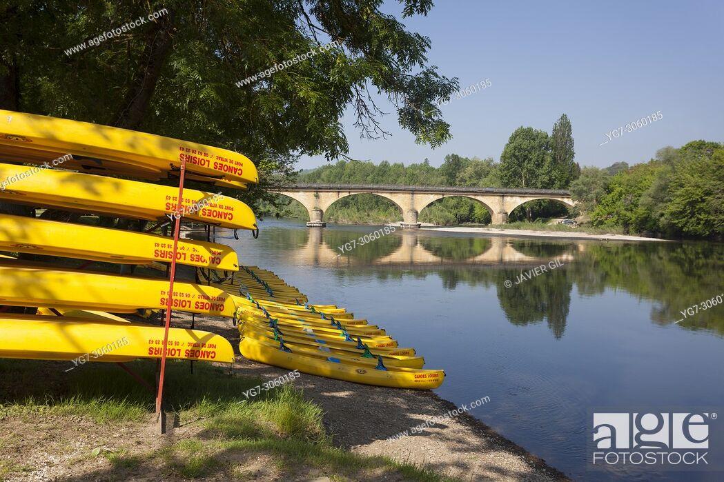 Stock Photo: Dordogna river, Domme, Dordogne, Nouvelle Aquitaine, France.
