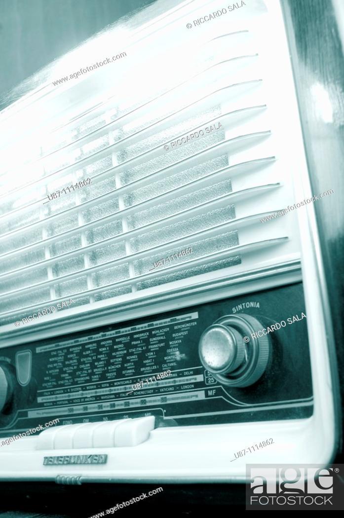 Stock Photo: Old radio set, close-up.