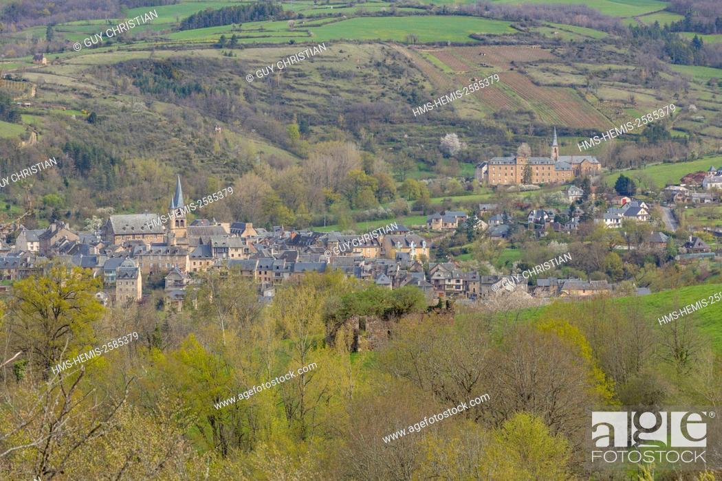 Stock Photo: France, Aveyron, Lot Valley, Saint Come d'Olt, a stop on el Camino de Santiago, labelled Les Plus Beaux Villages de France (The Most Beautiful Villages of.