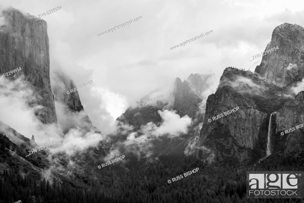 Imagen: Clearing storm over Yosemite Valley, Yosemite National Park, California USA.