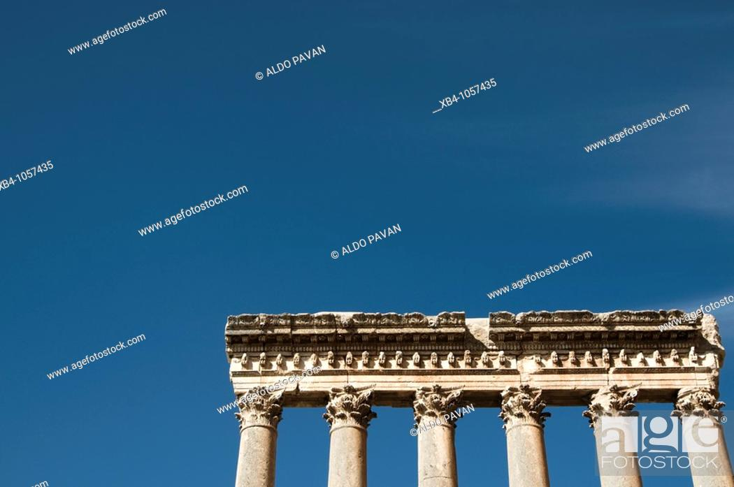 Stock Photo: Temple of Jupiter, archaeological Roman site, Baalbek, Bekaa Valley, Lebanon.