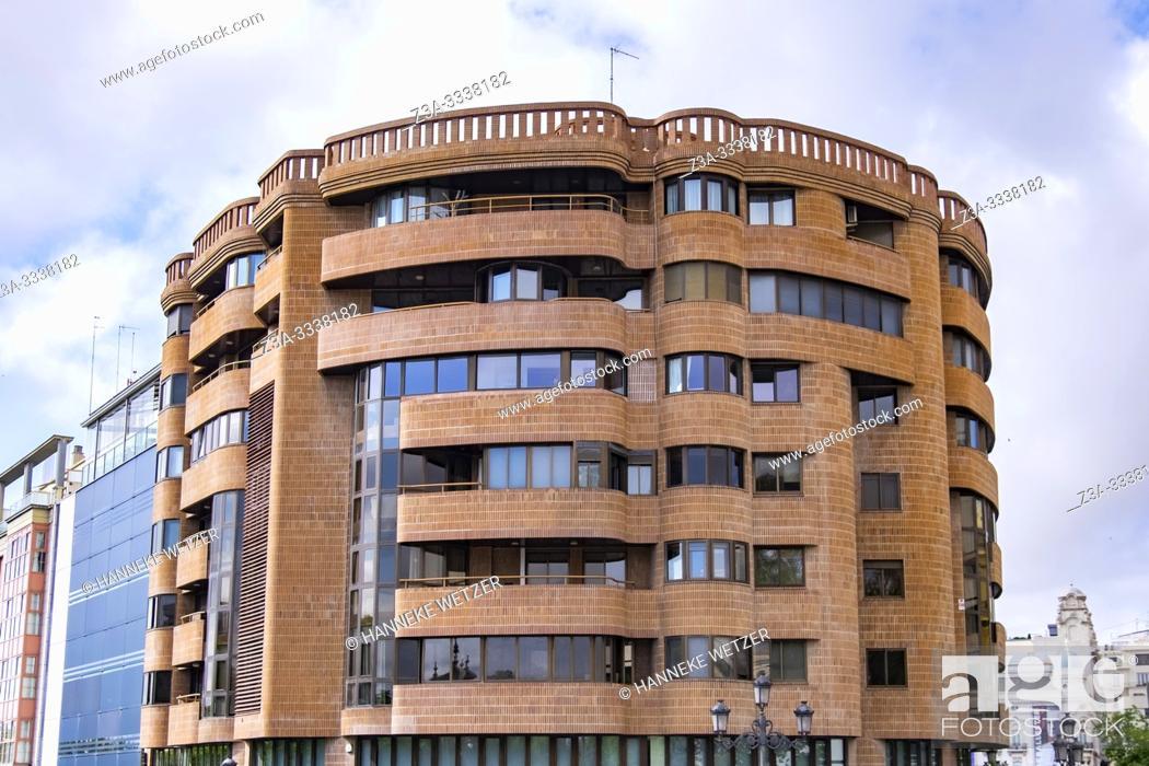 Imagen: Modern apartments in Valencia, Spain, Europe.