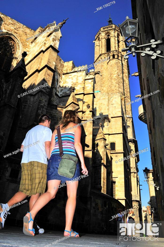 Stock Photo: Parte posterior de la Catedral de Santa Eulàlia de Barcelona, estilo gótico, siglo XIII, Carrer dels Comtes, Barcelona, Catalunya, España.