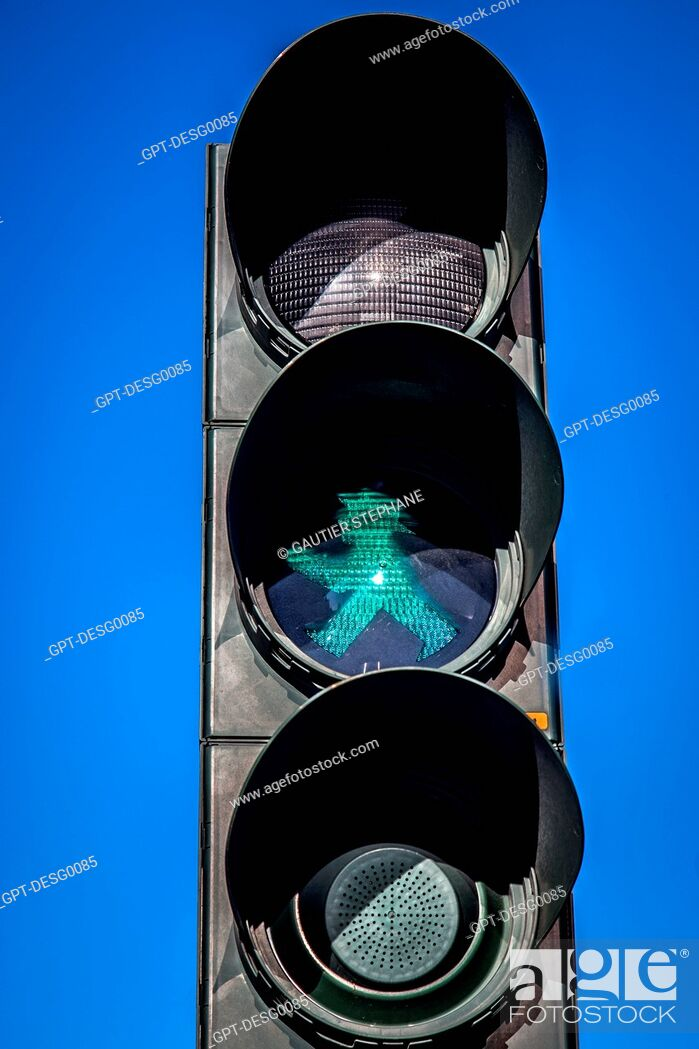 Stock Photo: AMPELMANN, SMALL FIGURE SEEN AT PEDESTRIAN CROSSINGS, SYMBOL OF THE CITY OF BERLIN, GERMANY.