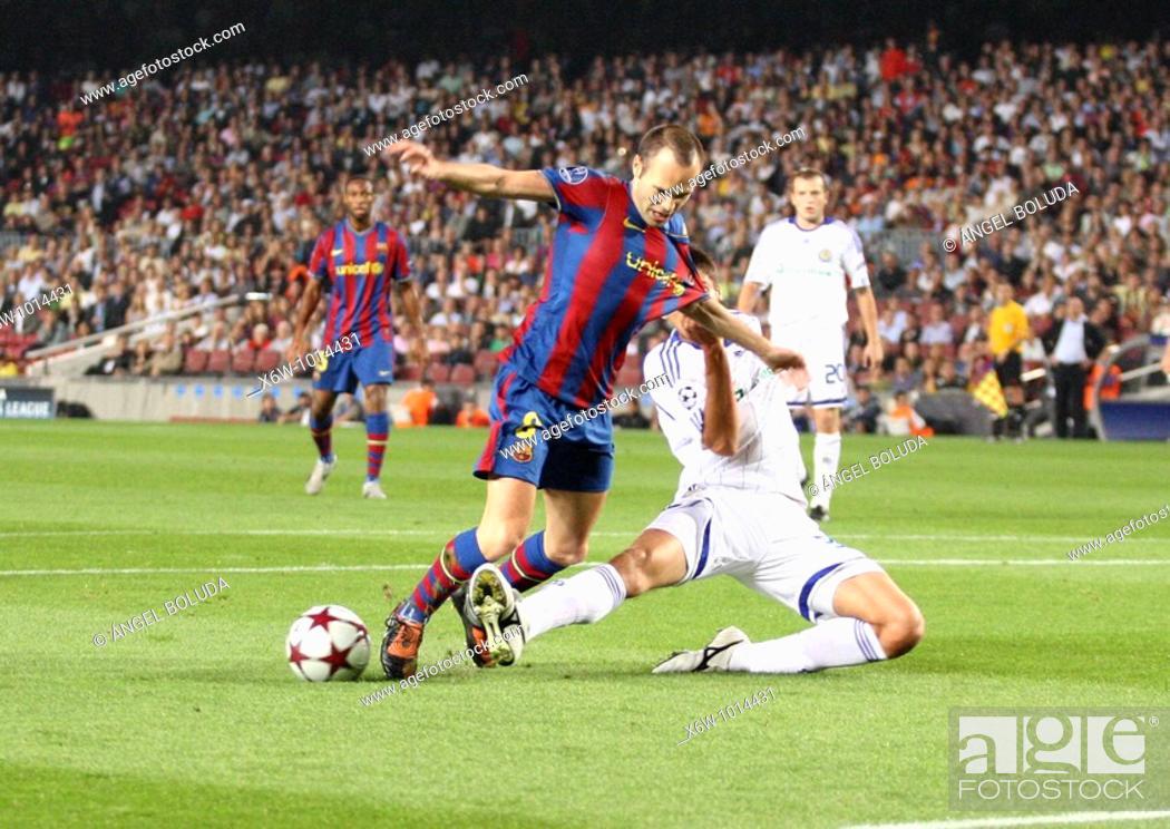 Stock Photo: Barcelona, Camp Nou Stadium, 29/09/2009, UEFA Champions League, FC Barcelona vs. FC Dynamo Kyiv, Andres Iniesta.