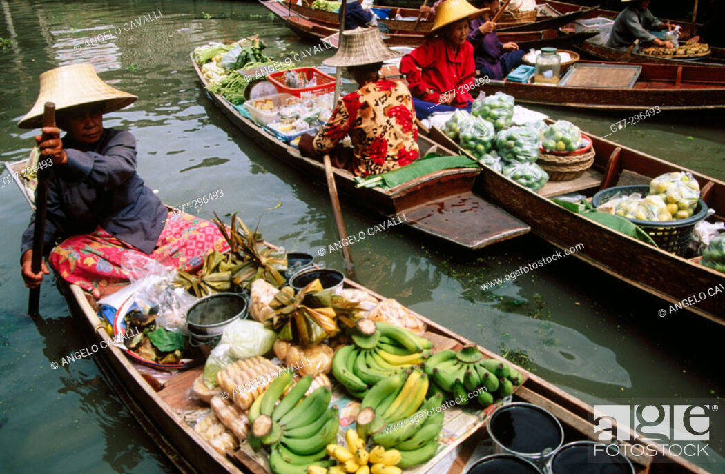 Stock Photo: Damnoen Saduak Floating Market. Bangkok. Thailand.