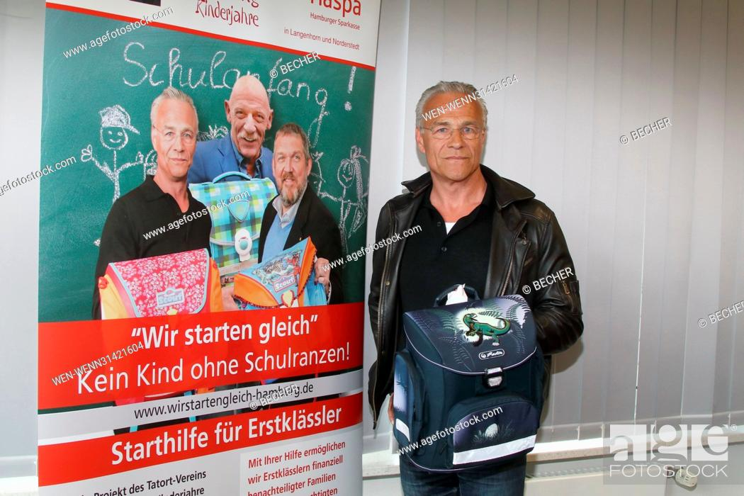 8fca693e0d0a4 Stock Photo - Klaus J. Behrendt and Haspa support charity campaign  Wir  starten gleich