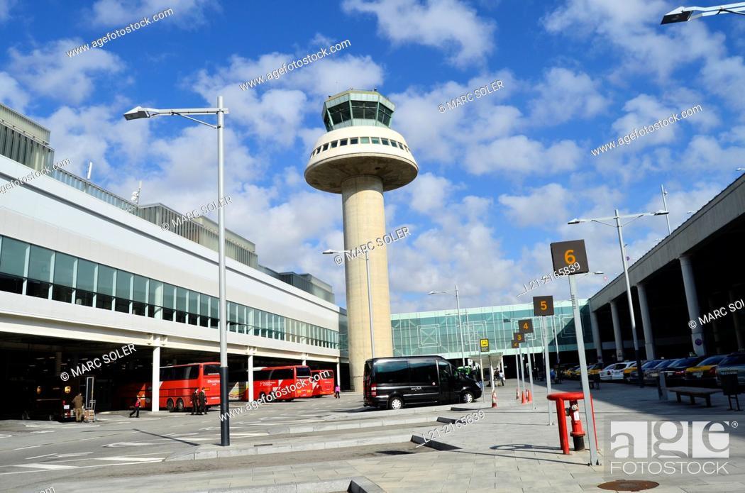 Photo de stock: Airport. T1 terminal by Ricardo Bofill. El Prat de Llobregat, Barcelona, Catalonia, Spain.