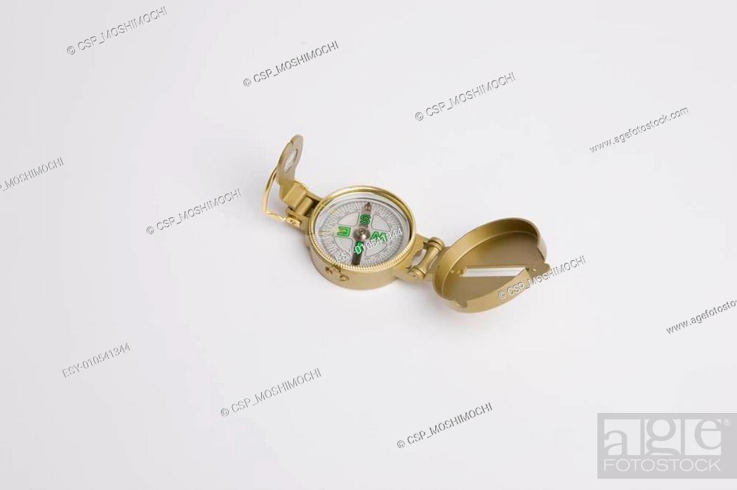 Imagen: Golden compass.