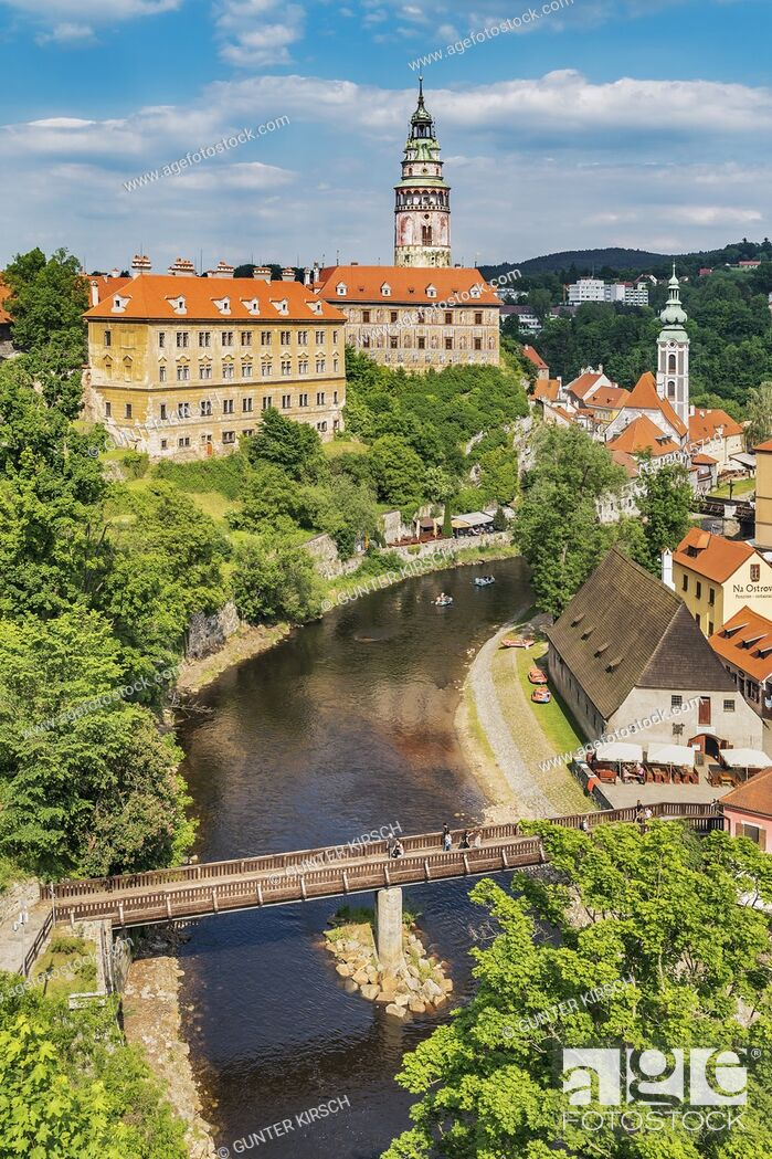 Stock Photo: View of the old town of Cesky Krumlov, the Castle Cesky Krumlov, St. Jost church and the River Vltava in Bohemia, Jihocesky Kraj, Czech Republic, Europe.