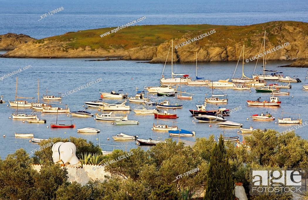 Photo de stock: Bay of Portlligat  At left Salvador Dali's House - Museum Costa Brava  Girona province  Catalonia  Spain.