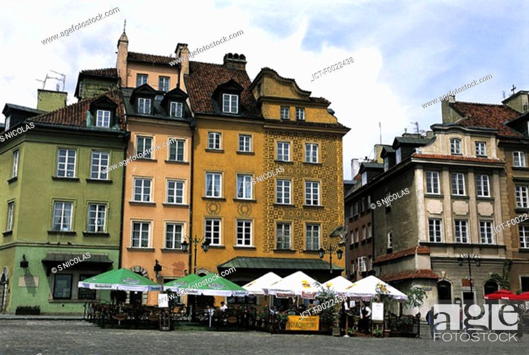 Stock Photo: Poland, Warsaw, old city, Zamkowy Place.
