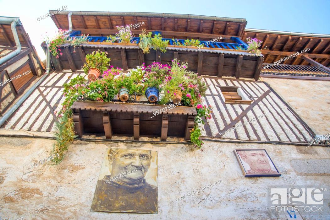 Imagen: Facade of house and portrait of its owners. Mogarraz, Sierra de Francia Nature Reserve, Salamanca province, Castilla Leon, Spain.
