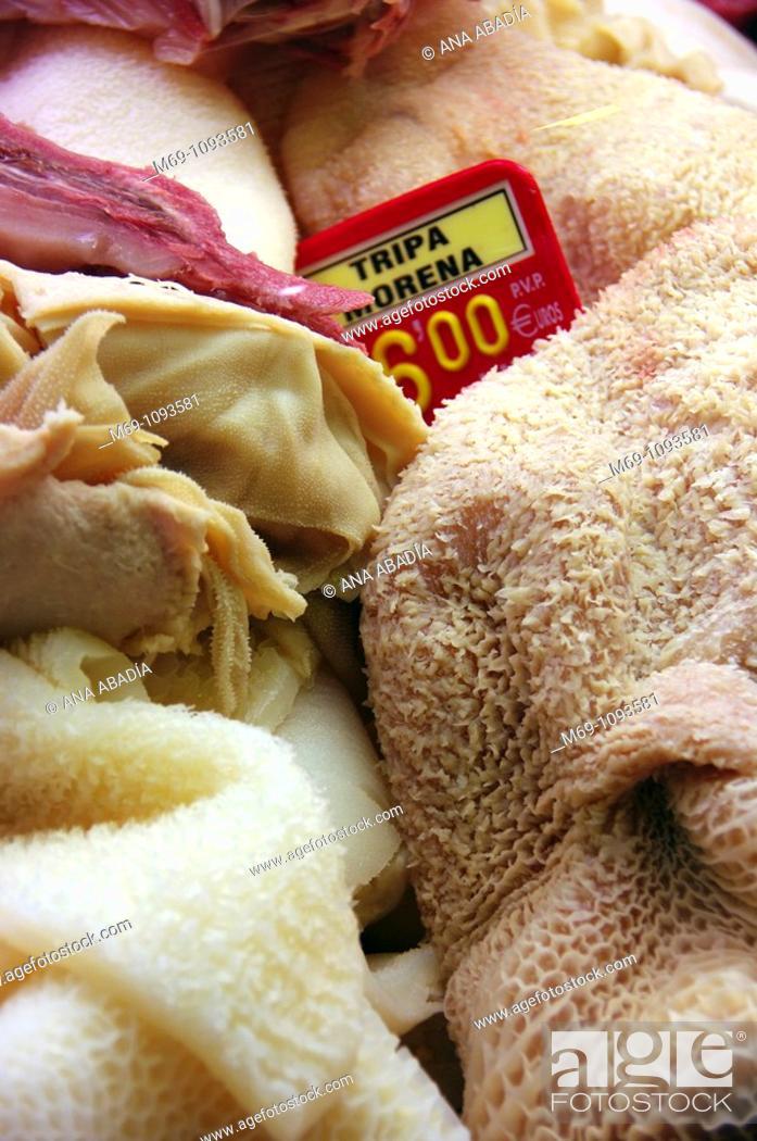 Stock Photo: Venta de vísceras en el Mercado de Sant Josep, La Boqueria, Barcelona.