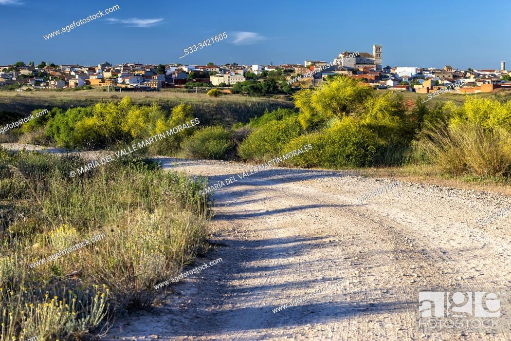 Stock Photo: Parthway at Villarrubia de Santiago. Toledo. Spain. Europe.
