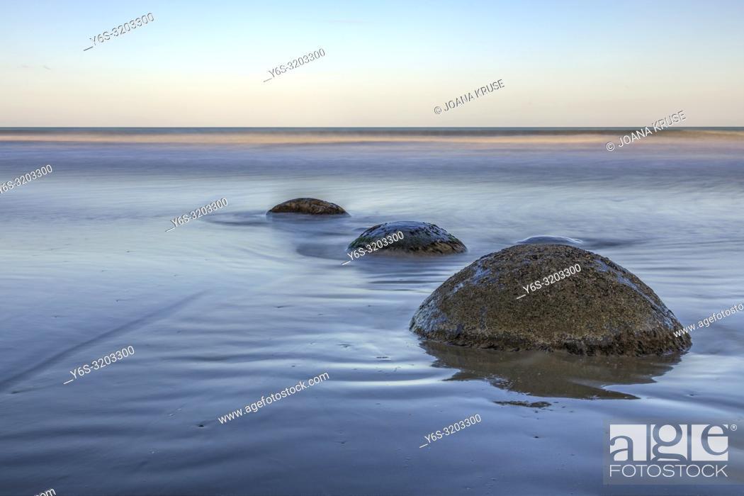 Imagen: Moeraki Boulders, Koekohe Beach, Otago, South Island, New Zealand.