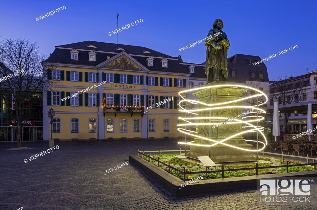 Imagen: Bonn, D-Bonn, Rhine, Sieg, Kottenforst, Rhineland Nature Reserve, Rhineland, North Rhine-Westphalia, NRW, Minster Square, Beethoven memorial, statue.