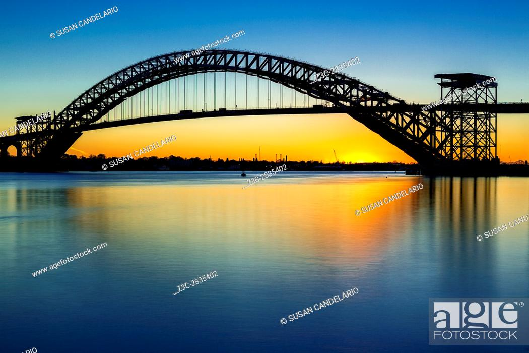 Imagen: Bayonne Bridge Last Light - The Bayonne Bridge is the fifth-longest steel arch bridge in the world, and was the longest in the world at the time of its.