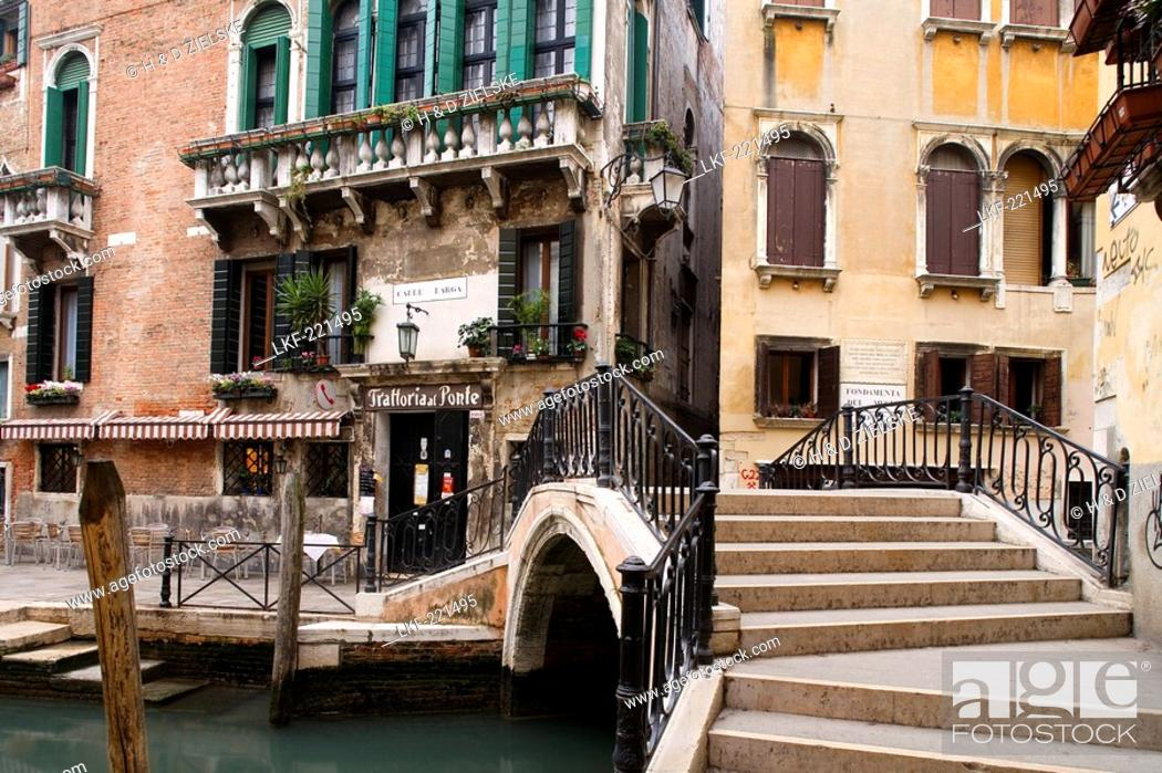 Stock Photo: Trattoria al Ponte at the Calle Larga, Venice, Italy, Europe.