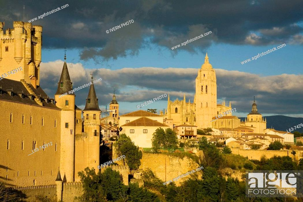 Stock Photo: Alcazar fortress and Cathedral at dusk, Segovia. Castilla-Leon, Spain.