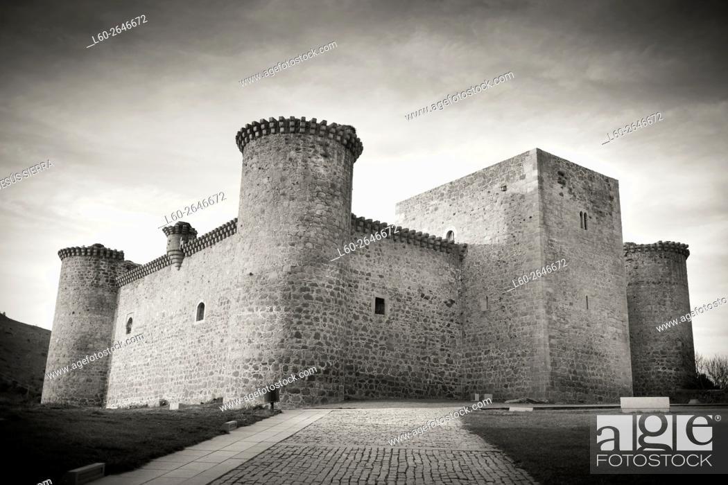 Imagen: Castillo de Valdecorneja. S. XIV. Barco de Ã. vila. Castille and Leon. Spain.