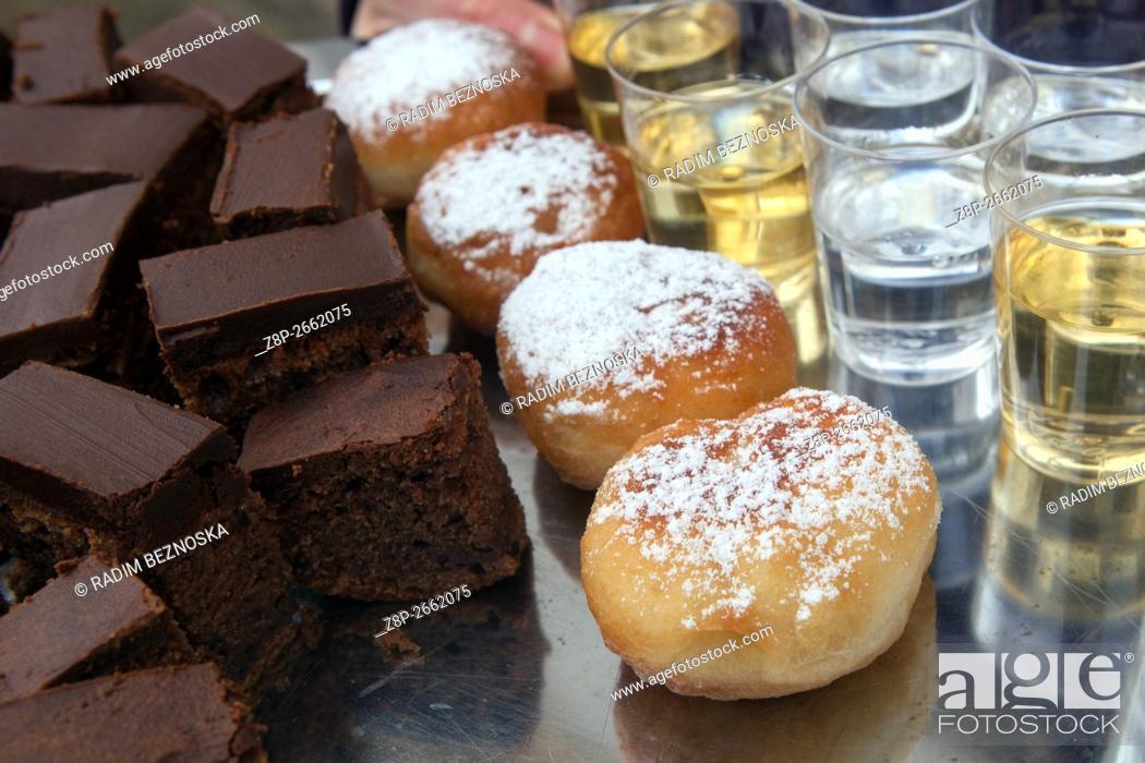 Imagen: Czech homemade sweet jam doughnuts.