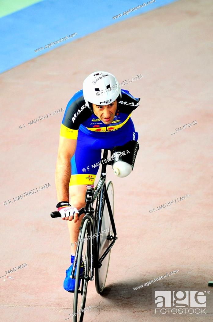 Imagen: Amputee, track cycling race.
