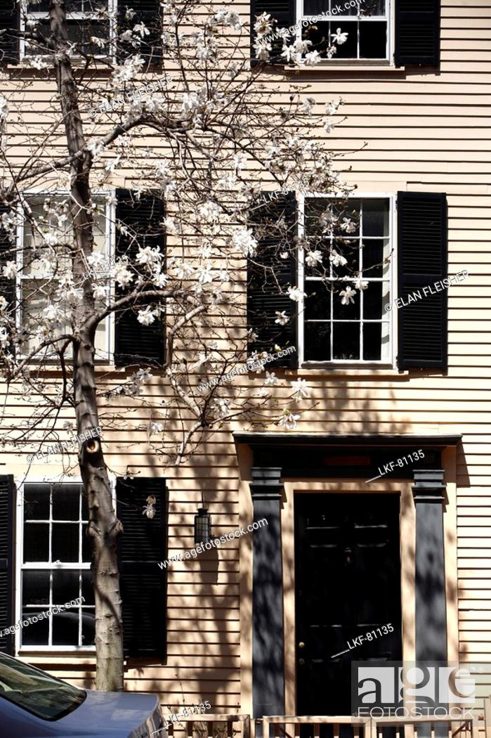 Stock Photo: A house in Historic Beacon Hill, Boston, Massachusetts, USA.