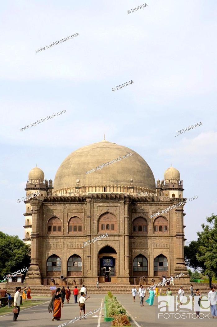 Stock Photo: Museum in front of Gol Gumbaz , built in 1659 , Mausoleum of Muhammad Adil Shah ii 1627-57 , the dome is the second largest one in the world which is.