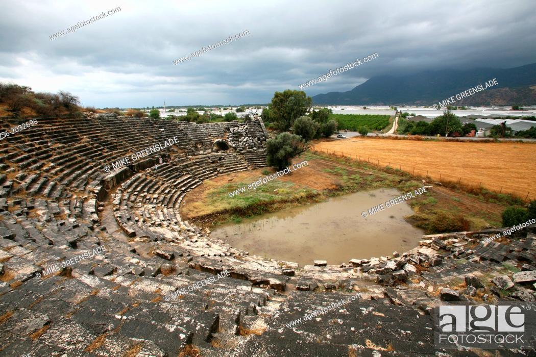 Imagen: Roman amphitheatre at Letoon, Antalya, Turkey.