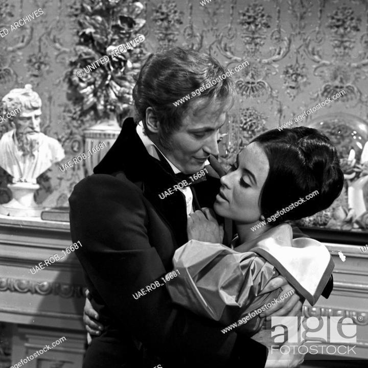 Imagen: Robert und Elisabeth, Fernsehfilm, Deutschland 1966, Regie: Eberhard Schröder, Darsteller: Ingeborg Hallstein, Peter Arens.